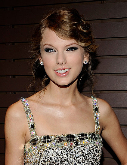 Taylor Swift attends the 52nd Annual Grammy Awards Salute to Icons:Doug Morris