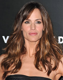 Valentine's Day Jennifer Garner Soft Waves Hair Tutorial