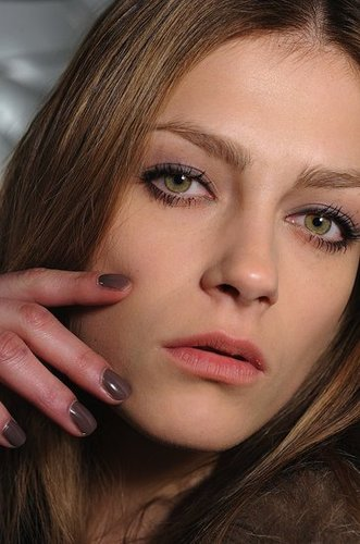 Marc Jacobs Fall 2010 Beauty: Manicure/Nail Polish Tips From CND 2010-02-16 21:01:06
