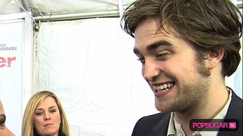 Video of Robert Pattinson at the Remember Me Premiere, Video of Kristen Stewart at Robert's Premiere, Video of Robert Pattinson