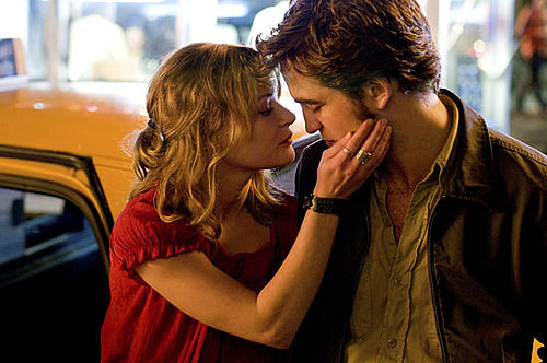 "Review of Robert Pattinson and Emilie de Ravin in ""Remember Me"""