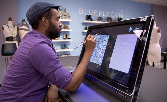 Photos of the HP TouchSmart PC&#039;s and Project Runway Contestants