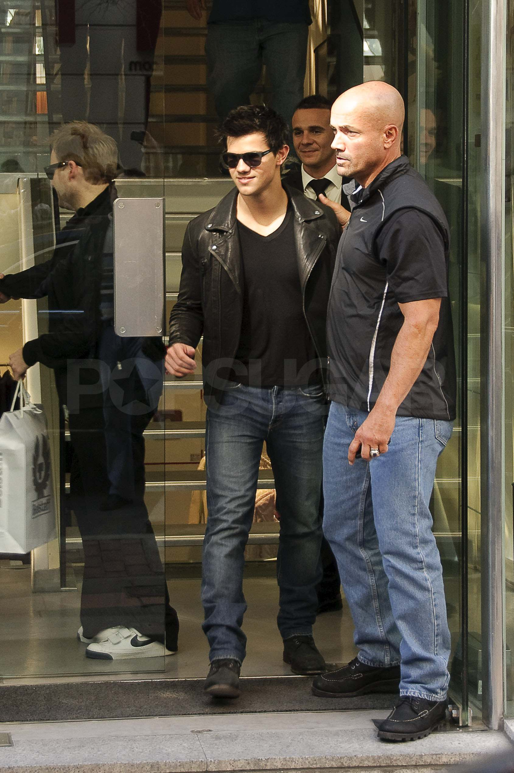 Taylor Lautner With His Family Images & Pictures - Becuo Taylor Lautner
