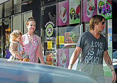 Nicole Kidman,Keith Urban and Sunday Rose Get Frozen Yogurt