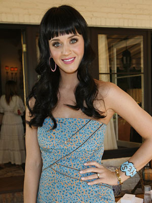 Katy Perry Talks Wedding Details, Avoiding Wedding Stress