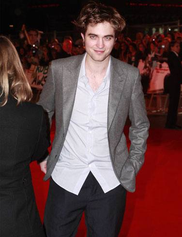 Robert Pattinson Accepts Relationship With Kristen Stewart