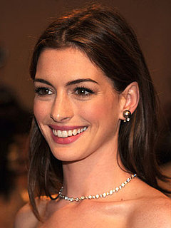 How to Get Anne Hathaway's Hair Color