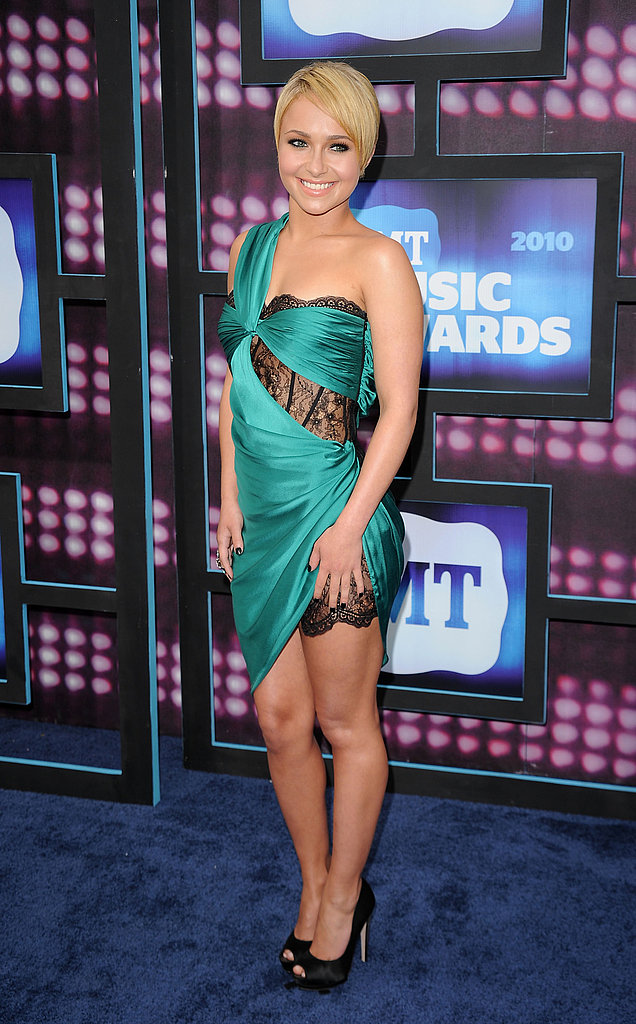 Hayden Panettiere in emerald and lace Emilio Pucci.