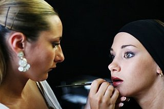 Dutch Towns Pay For Unemployed Women to Get Makeovers
