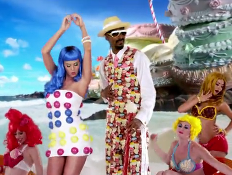 "Katy Perry Plays Candyland in ""California Gurls"" Video"
