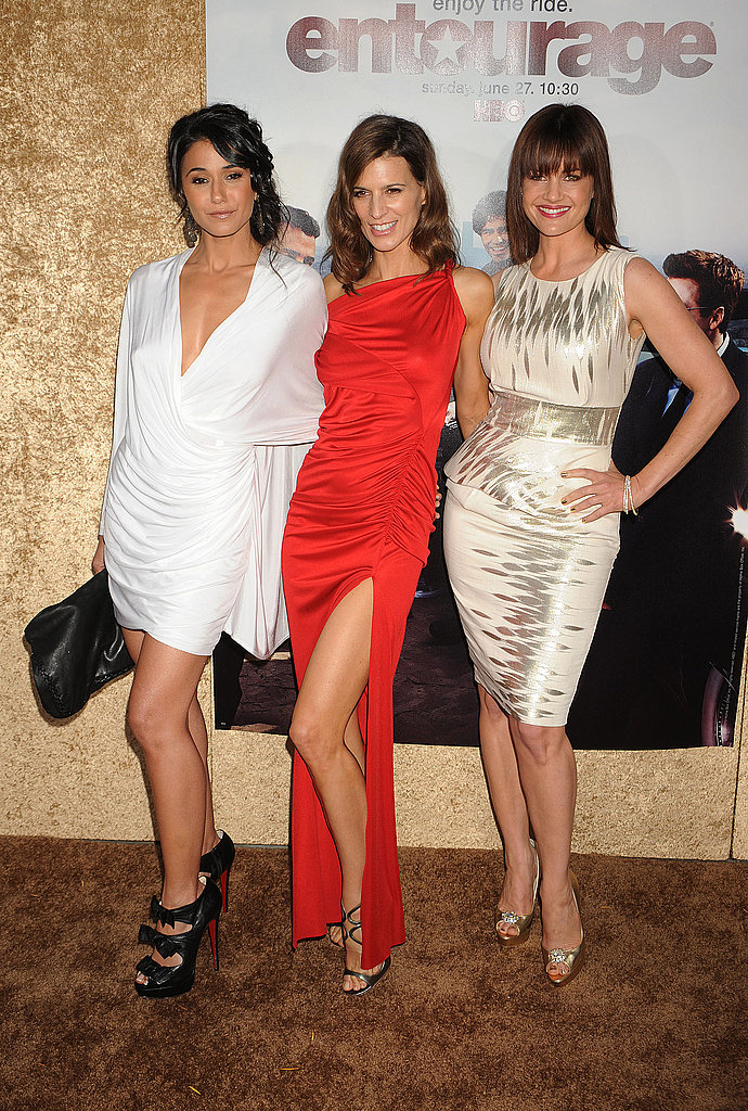 The ladies of Entourage lookin' smoking hot! Great pose.