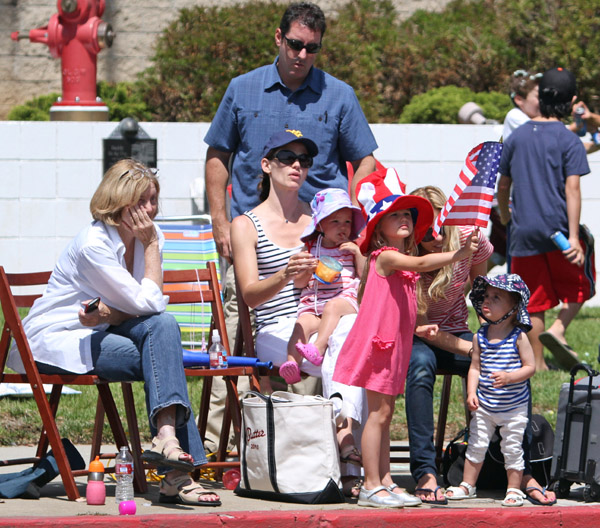 Garner-Affleck Girls Celebrate 4th of July