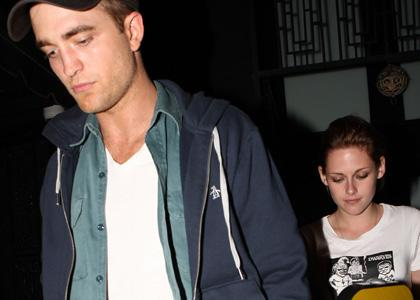Robert Pattinson and Kristen Stewart were spotted out on a date in Los Angeles last night (July 6).
