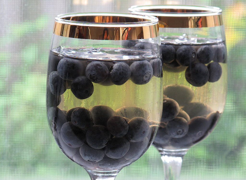 Grape Gelatin With Blueberries
