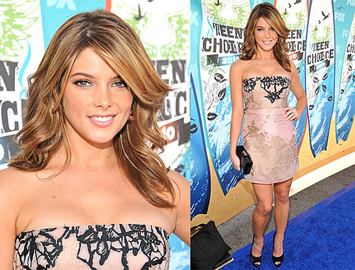 Pictures of Ashley Greene at the Teen Choice Awards 2010
