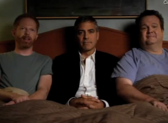 Emmy Video of George Clooney With Modern Family Cast