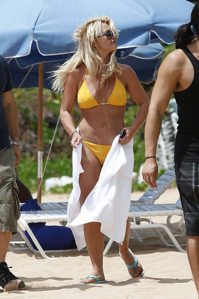 Pictures of Britney Spears in a Bikini