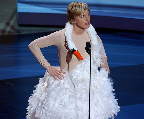 Ellen DeGeneres had a hilarious outfit change at the 2001 award show.