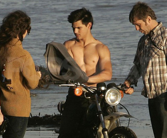 Shirtless Bracket Winner: Taylor Lautner