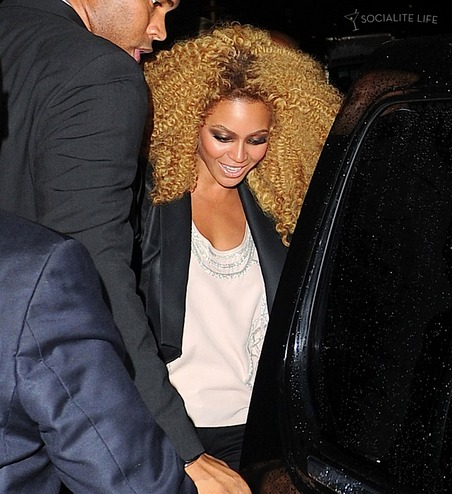 Beyonce was spotted at the Tom Ford Spring 2010 Collection presentation last night (September 12) in New York City.