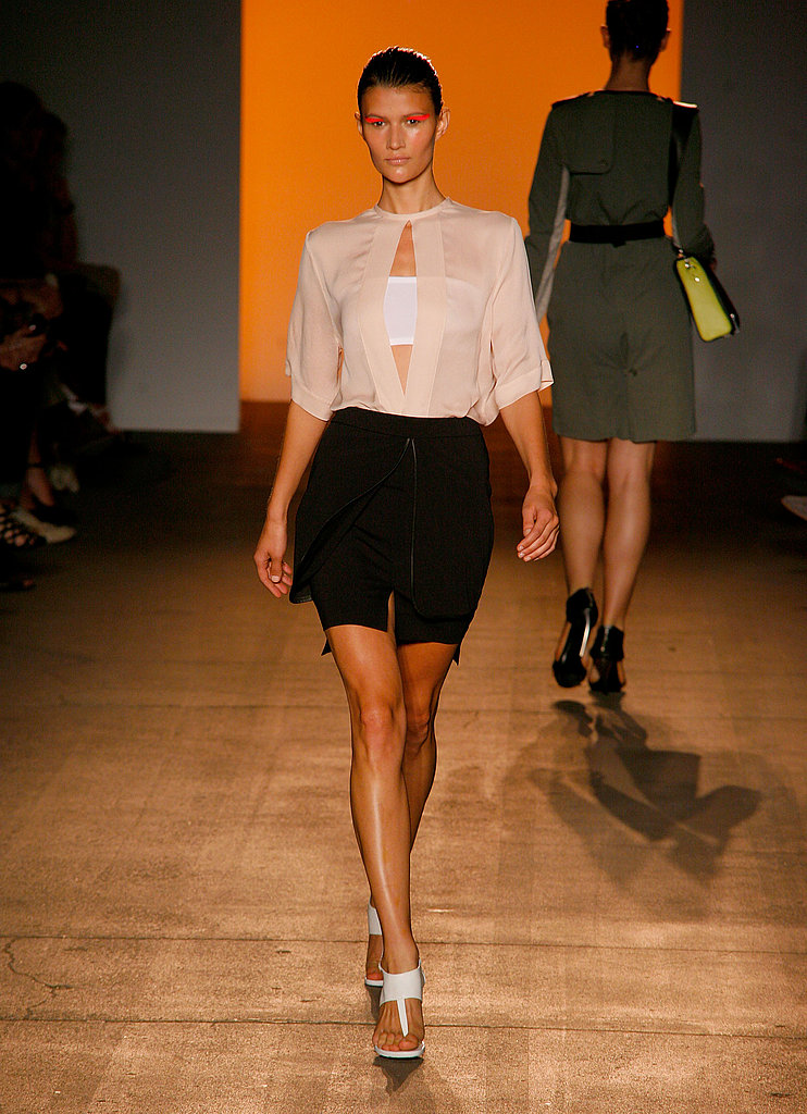 Spring 2011 New York Fashion Week: Yigal Azrouël 2010-09-14 20:59:17