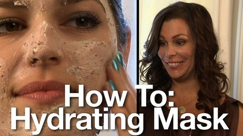 Beauty How to Make a Facial Mask with Kate Somerville