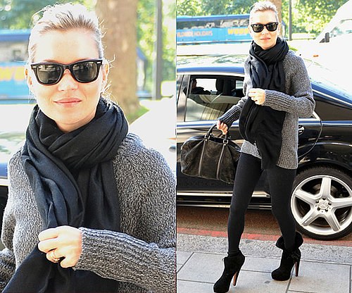 Photos de Kate Moss à Londres en gilet gris et leggings noirs