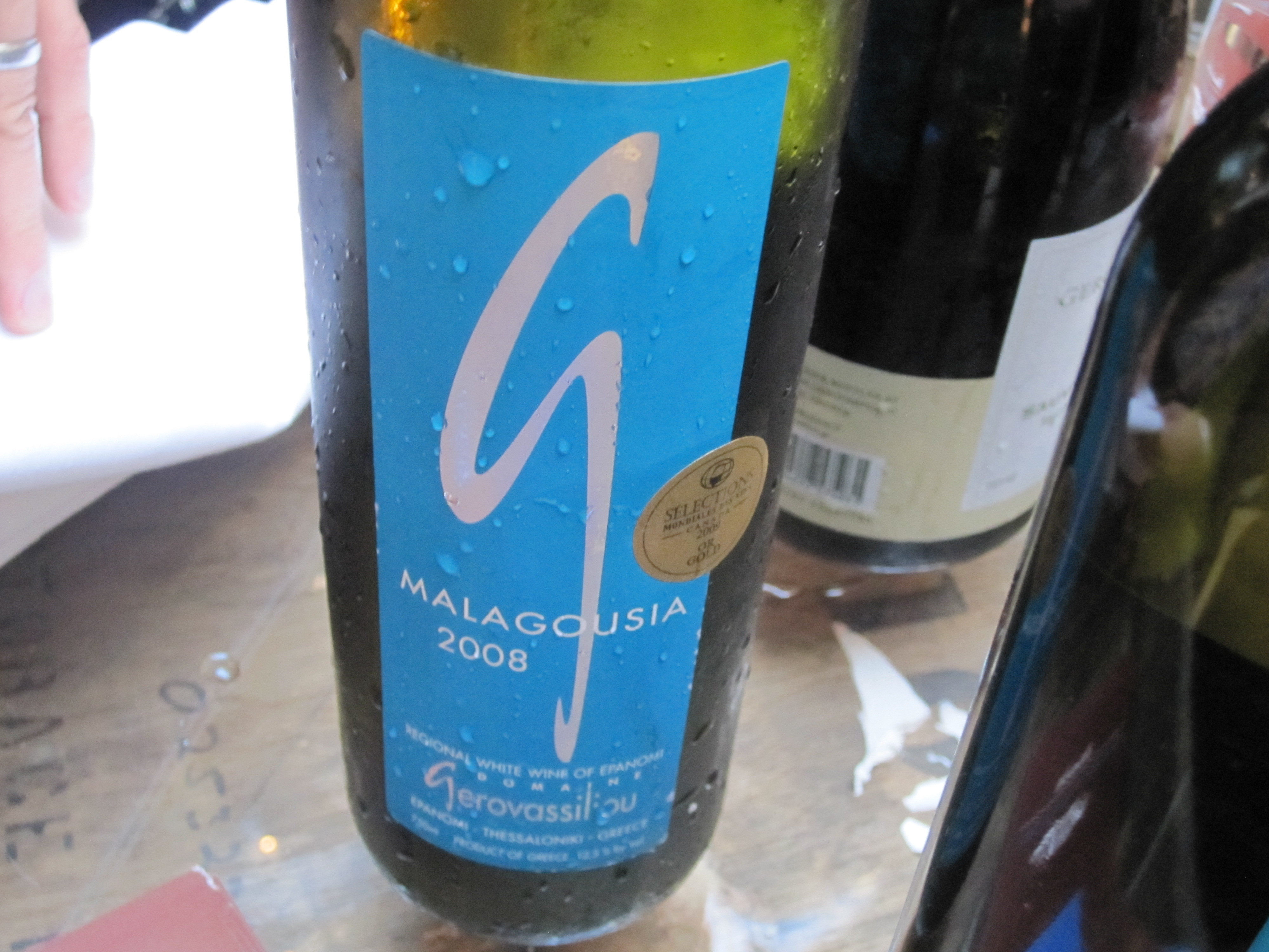 I'm not too familiar with Greek wine varietals, but this white was refreshing and lovely.
