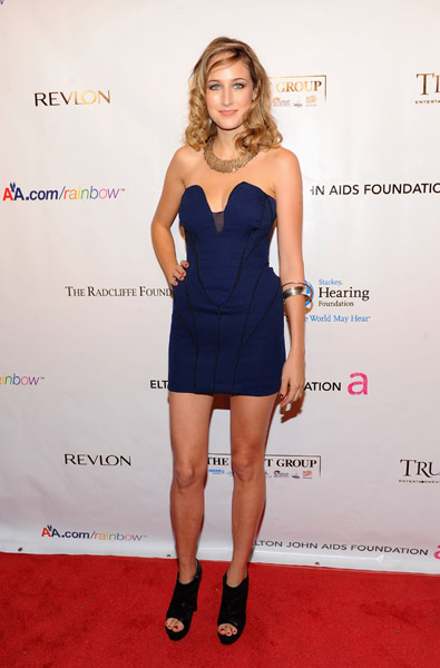 "Leelee Sobieski looked downright hot in ACNE at the ninth annual Elton John AIDS Foundation's ""An Enduring Vision"" event."