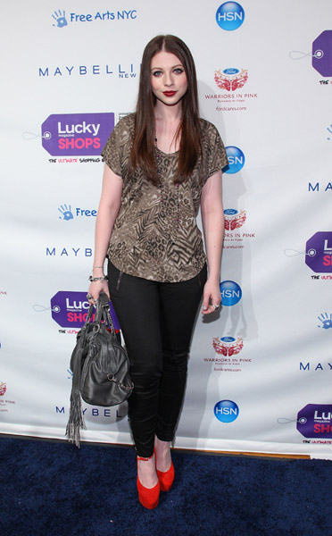 Michelle Trachtenberg looked trendy cute at the 10th anniversary Lucky Shops event in her J Brand jeans and Christian Louboutin bag.