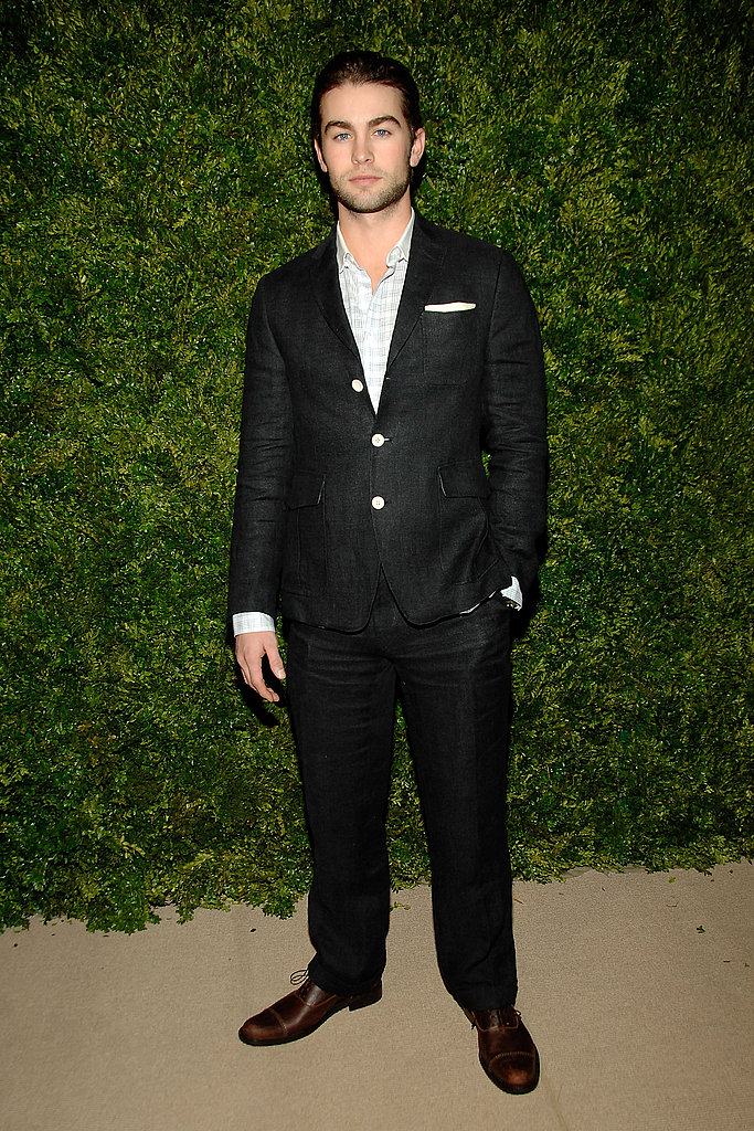 Chace Crawford made a handsome arrival.