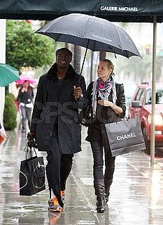 Pictures of Heidi Klum and Seal Christmas Shopping in the Rain