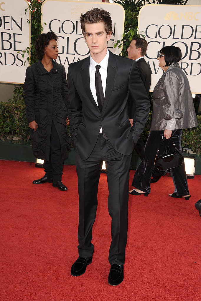 Andrew Garfield Goes Dapper For the Golden Globes!