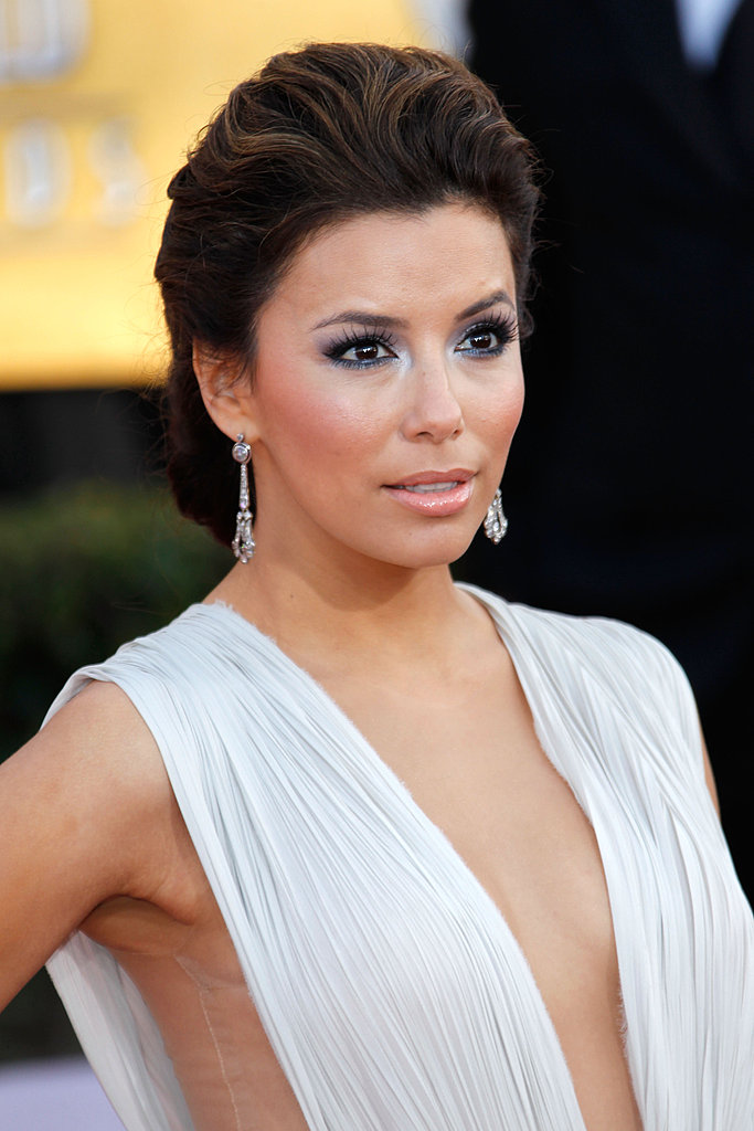Eva Longoria's art deco earrings provided just a slight touch of vintage to her modern, sexy look.