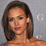 Jessica Alba's Easy Side-Sweep