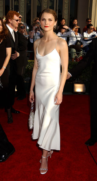 Keri Russel kept it minimalist in '02.