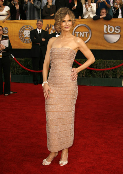 Kyra Sedgwick in a body-hugging column dress in '07.
