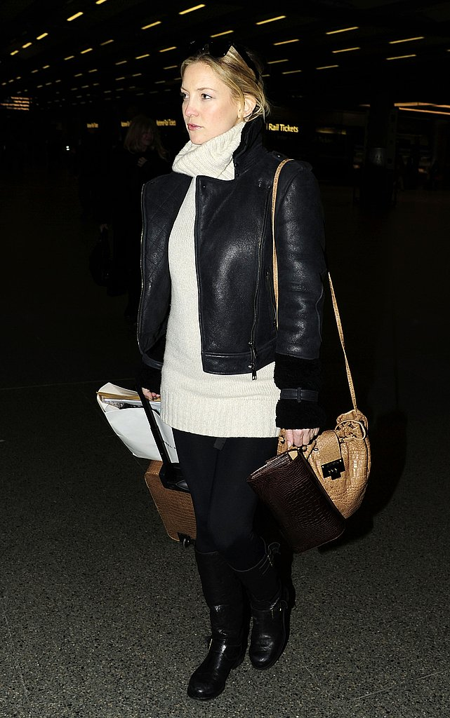 Pictures of Pregnant Kate Hudson Arriving in London After Paris Trip