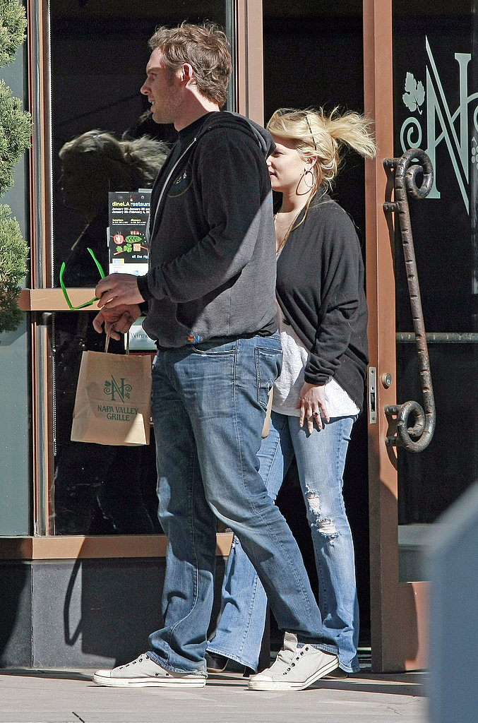 """Jessica Simpson Grabs Eric's """"Perfect Tush"""" on a Romantic Lunch"""