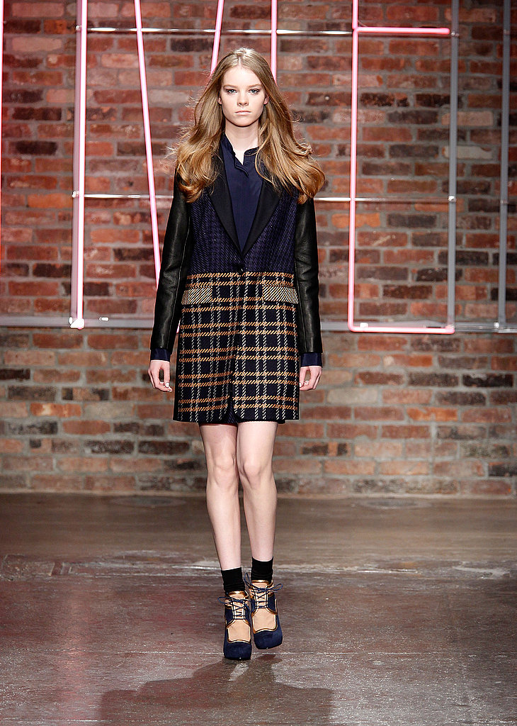 2011 Fall New York Fashion Week: DKNY