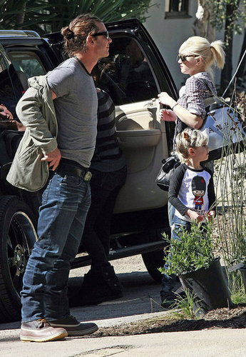 Pictures of Gwen Stefani, Gavin Rossdale, Zuma Rossdale, and Kingston Rossdale on Super Bowl Sunday in LA