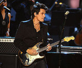 John Mayer jammed out during his 2008 award show performance.