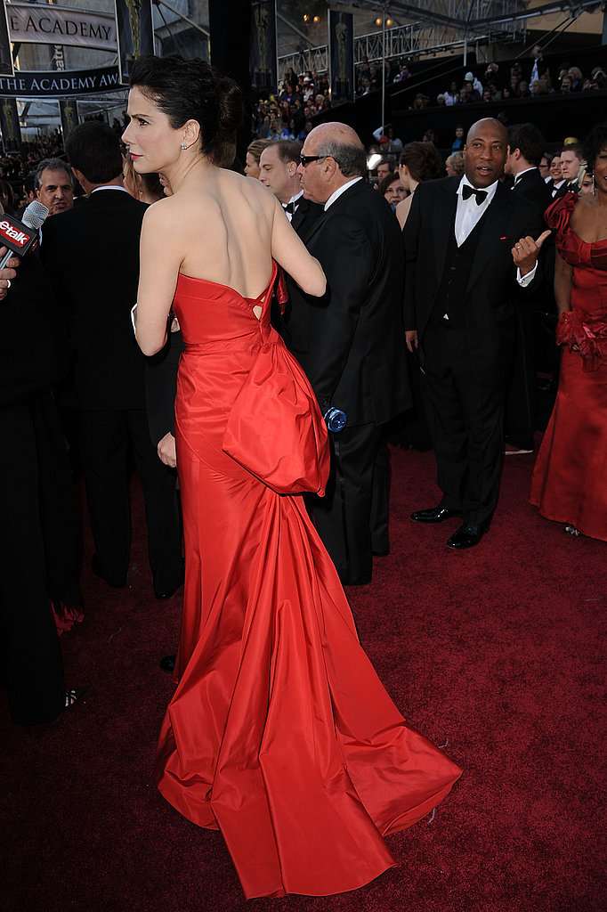 Sandra Bullock Is Red Hot on the Oscars Carpet!
