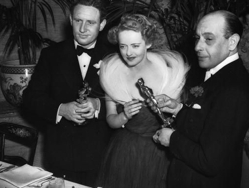 Bette Davis at the 1939 Academy Awards
