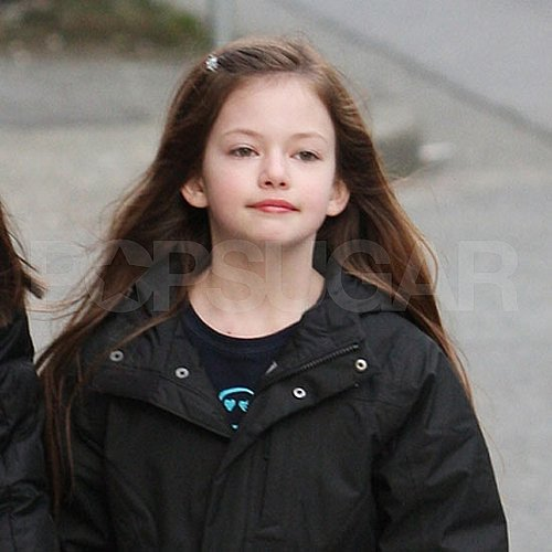 Pictures of Breaking Dawn's Mackenzie Foy Walking in Vancouver