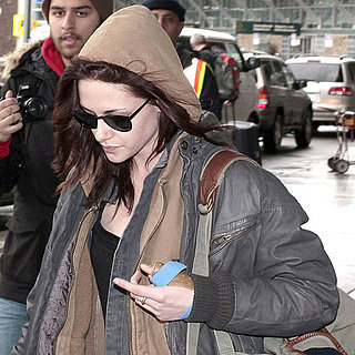 Pictures of Kristen Stewart at Vancouver Airport for Breaking Dawn