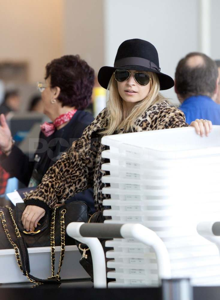 Nicole Richie Has a Wild Time Heading to Paris