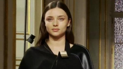Video of Miranda Kerr on Balenciaga Runway in Paris Just Two Months After Giving Birth to Flynn Bloom!