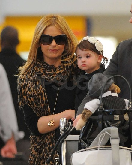 Pictures Sarah Michelle Gellar Her Daughter Charlotte Prinze Leaving LAX We only have sex when he's drunk