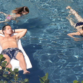 Pictures of Courteney Cox in a Bikini While in Hawaii With Shirtless Cougar Town Costar Brian Van Holt